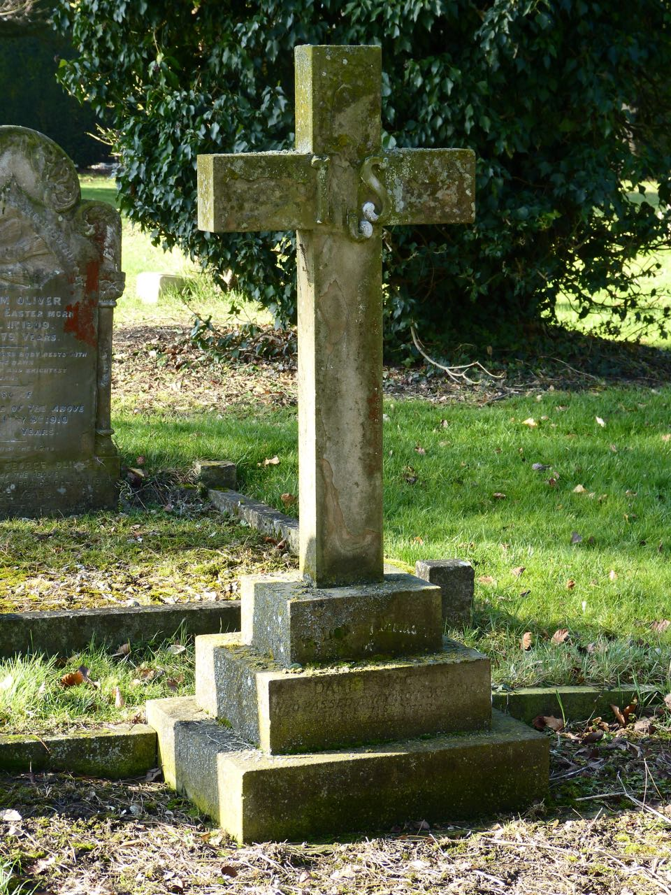 Whaddon Churchyard Memorial to Daniel Jacklin 1