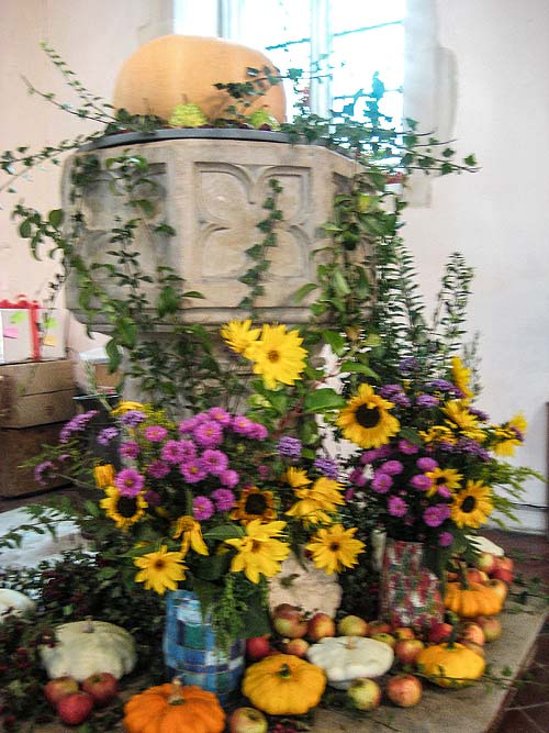 Whaddon St Marys Church Harvest 2014 2